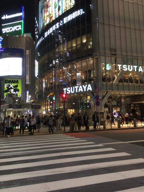スクランブル交差点のTSUTAYA