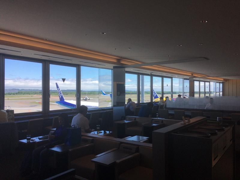 千歳空港のラウンジ
