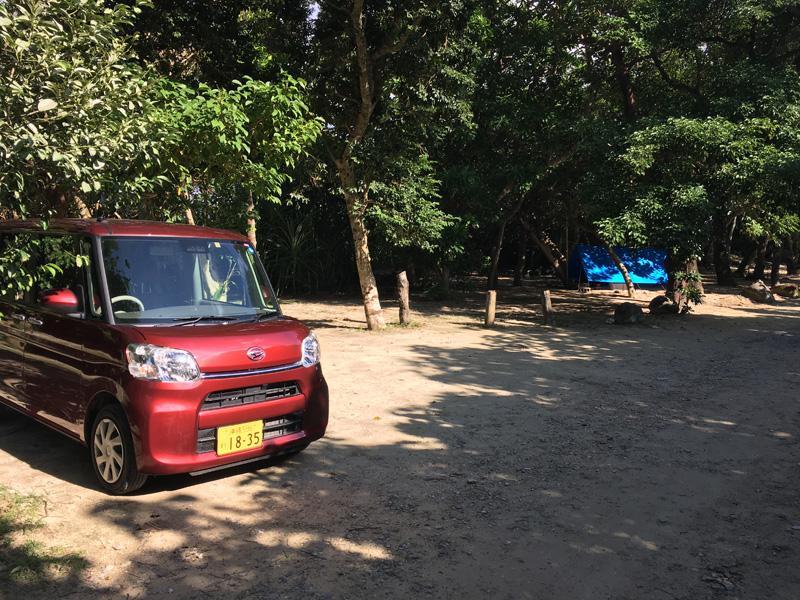 米原ビーチの駐車場